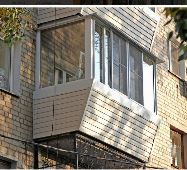 Как обшить балкон сайдингом: инструкция по монтажу и отде....
