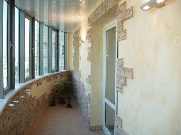 Отделка балкона декоративным камнем своими руками 4
