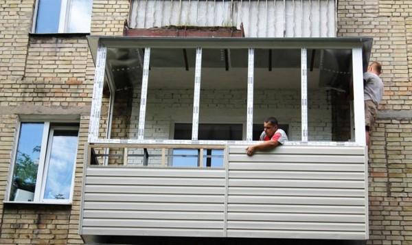 Обшивка снаружи балкона своими руками