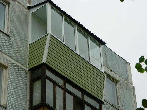отделка сайдингом балкона снаружи