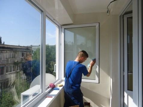 Как помыть раздвижные рамы на балконе
