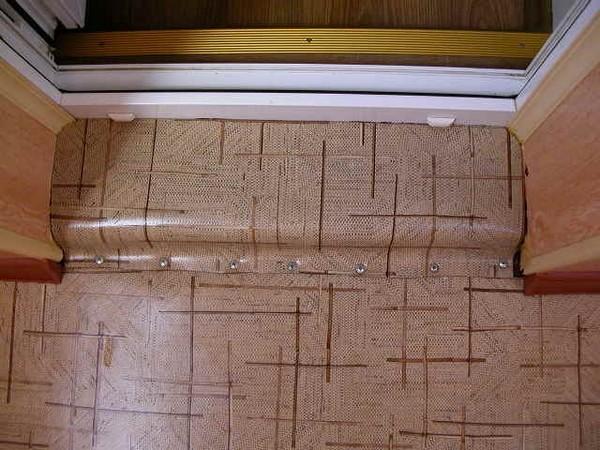 Как сделать порог на балконе