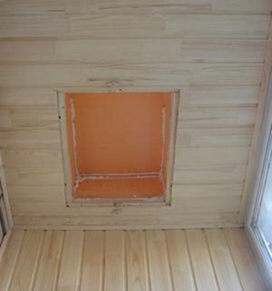 пожарный люк на балконе на потолке