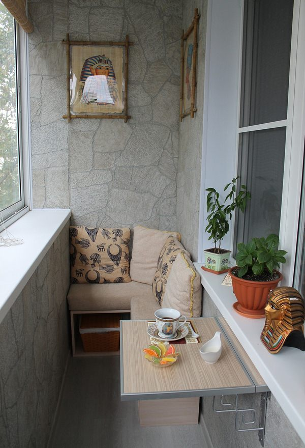 Обустройство маленького балкона своими руками фото