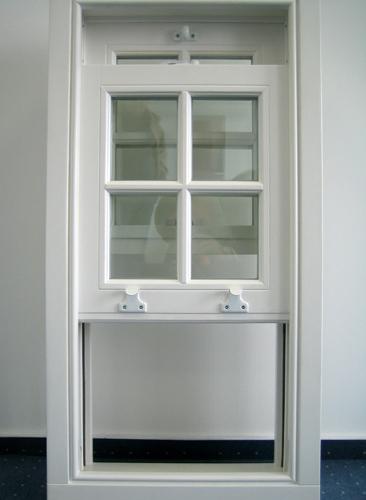 Раздвижные окна для балкона: виды раздвижного остекления бал.