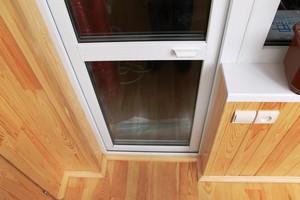 ремонт пластиковой балконной двери