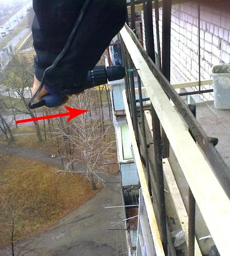 обшивка балкона профнастилом своими руками