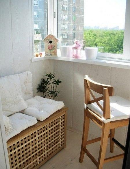 ящик скамейка на балконе