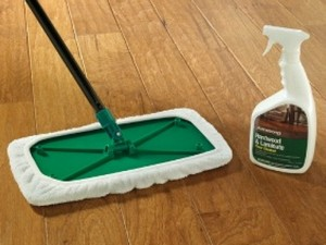 чем мыть ламинат чтобы не было следов