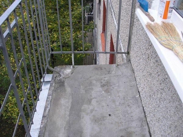 Купить покрытие для открытого балкона.